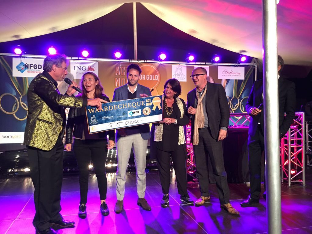 """Hospice Demeter ontvangt geweldig bedrag als één van de vier goede doelen van """"Act Now For Gold"""" van Rotary Groot Bilthoven."""